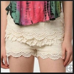 UO Pins & Needles Crochet Lace Ivory Tap Shorts 4